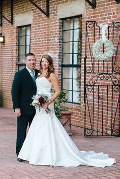 Beautiful Holiday Winter Wedding At The Millstone Adam S Pond Near Columbia Sc We