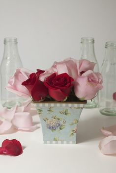 Rosas.Estilismo: Ana Markarian,Foto: Sole Allami. Home Decor, Roses, Creativity, Decoration Home, Room Decor, Home Interior Design, Home Decoration, Interior Design