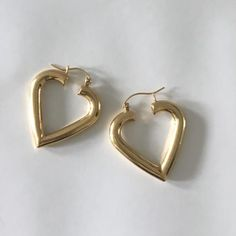 HEART HOOPS – Yellow Gold Hoops – NYC Hoops – 14K Yellow Gold Hoops – Heart Shape Earrings – Heart Earrings – Love Hoops – Boho Earrings[Picked from ETSY] These Vintage Heart Hoops are so cute and on trend! They are crafted in 14K yellow gold with a latch hoop. Although they are chunky, they […]