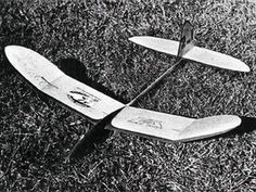 Tufurwun - completed model photo Smooth Lines, The Good Old Days, Gliders, Model Photos, Plane, How To Plan, Model Headshots, Model Pictures, Aircraft