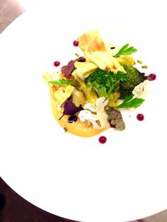 Broccoli glazed in aged butter with caramelized whey & cauliflower purée, concord grape, shiso @nichestlouis