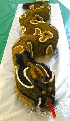 Snake Cake for Reptile Theme Party