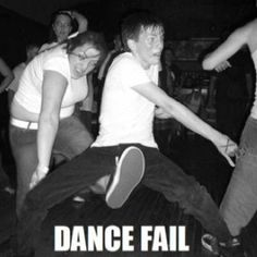 I think I was at this show. but at least I wasn't that guy. Funny Images, Funny Photos, Dance Fails, Dance Moves, Picture Fails, Facebook Humor, Facebook 2014, Haha Funny, Funny Stuff