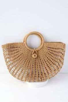 Toting around your favorite goodies has never looked chicer than with the Market Marvel Tan Woven Tote! This lightweight, woven bag is perfect for holding all of your shopping trip treasures or beach day essentials with its roomy interior and twin to Crochet Tote, Crochet Purses, Free Crochet, Cute Handbags, Purses And Handbags, Tan Tote Bag, Tote Bags, Bag Women, Denim Overall Dress