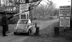 Berlin 1960er Zonengrenze,Messerschmidt,Steinstuecken....