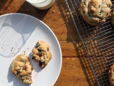 These Levain Bakery-inspired chocolate chip cookies are thick, soft, and extra big.