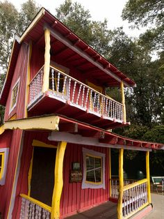 The Crooked House in Happy Hollow Park