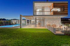 Каменный дом в Афинах от Whitebox Architects