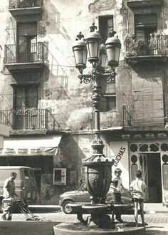 Plaça Sant Agusti Vell 1974. F. Català Roca. Catalonia | Europe.