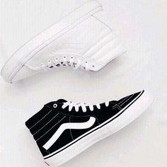 White or black?  #flatlay #flatlays #flatlayapp www.flat-lay.com