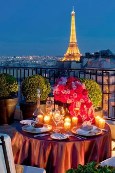 Four Seasons Hotel George V, #Paris - What a romantic dinner place ! !