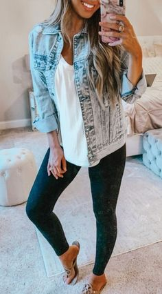 40 Pretty Casual Spring Outfit Ideas You Should Try Spring Outfit Women, Cool Summer Outfits, Cute Casual Outfits, Boho Outfits, Spring Outfits, Fashion Outfits, Classic Outfits, Fashion Tips, Fashion Trends