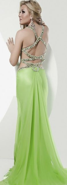 green prom dress, i really love this colour
