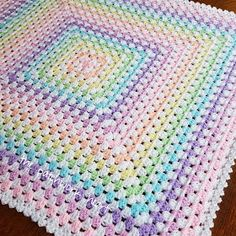 Crochet Blankets For Men The Patchwork Heart: Rainbow baby blankets Crochet Baby Blanket Free Pattern, Crochet For Beginners Blanket, Baby Afghan Crochet, Manta Crochet, Granny Square Crochet Pattern, Afghan Crochet Patterns, Crochet Yarn, Crochet Stitches, Knitting Patterns