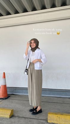 Casual Hijab Outfit, Casual Outfits, Fashion Outfits, Ootd Hijab, Hijab Fashion Inspiration, Simple Outfits, Aesthetic Clothes, Muslim Fashion, Dress