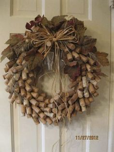 Don't throw away those wine corks from the holidays. Make some festive holiday wine cork crafts and wine cork ornaments. These Christmas wine cork crafts are the absolute CUTEST! Wine Craft, Wine Cork Crafts, Wine Bottle Crafts, Wine Bottles, Bottle Candles, Soda Bottles, Wooden Crafts, Recycled Crafts, Jar Crafts