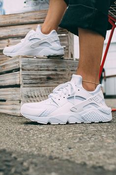 The original, done your way. Design your own Nike Air Huarache Run iD by choosing your colors, from light-weight lining to cushioned sole.