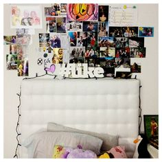 My hashtag in a teenager bedroom #deco  http://www.misspixels.com/index.php/2012/11/macm/