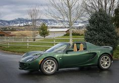 Lotus Elise In Proper British Racing Green My Dream Car, Dream Cars, Convertible, Europe Car, Automobile, Lotus Elise, Lotus Car, British Invasion, Car Makes