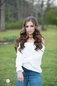 Emileigh You are in the right place about senior pictures with dogs Here we offer you the Hairstyles For Seniors, Senior Pictures Hairstyles, Fall Senior Pictures, Senior Photos Girls, Girl Photos, Senior Pics, Cowgirl Senior Pictures, Senior Year, Senior Photo Outfits