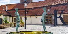 Prága köztéri szobrai - David Cerny nyomában – Világutazó