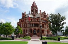 There are many beautiful historic courthouses scattered all across Texas. Here are 10 of our favorites.