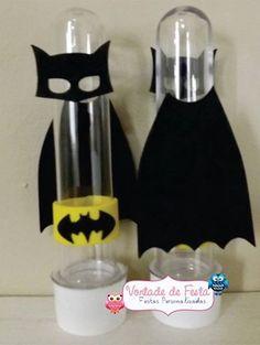 Tubete 3d Batman                                                                                                                                                     Mais Lego Batman Party, Batman Birthday, Lego Birthday Party, Batman Vs Superman, Superhero Party, 3rd Birthday Parties, Batman Collectibles, Leaf Crafts, Cardmaking And Papercraft