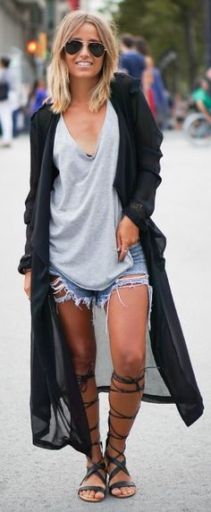 Style Tips: how to style your look so you can look casual and chic in a pair of cut off shorts and sandals