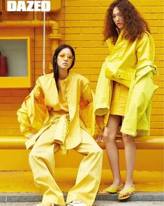 Yellow Things gen z yellow pantone Yellow Photography, Monochrome Photography, Editorial Photography, Fashion Photography, Yellow Fashion, Colorful Fashion, Colorfull Background, Yellow Pantone, Pink Lila