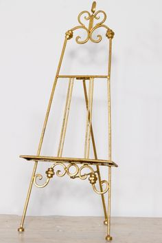 These small antique gold metal display easel top table wedding menus table plans are perfect easels for the top table or for your home.