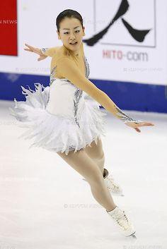 Mao Asada (JPN), NOVEMBER 3, 2012 - Figure Skating : .Mao Asada of Japan performs her Free Skating during  ISU Grand Prix of Figure Skating 2012/2013 Cup of China 2012 at Shanghai Oriental Sport Center, Shanghai, China..(Photo by Yusuke Nakanishi/AFLO SPORT) [1090] .