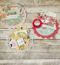 Loaded circles Crafty Craft, Crafty Projects, Crafting, Pen Pal Letters, Pocket Letters, My Scrapbook, Scrapbook Paper Crafts, Pocket Envelopes, Paper Doilies