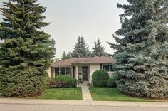 Just listed in Braeside, Calgary! A must see $429,900