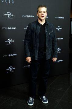 Jason Bourne Berlin Photocall - July 14th, 2016 - jason-bourne-berlin-photocall-july14-2016-027 - MattDamonFan.net Pictures Gallery | Matt Damon Jason Bourne, Matt Damon, My Boys, Actors & Actresses, Bomber Jacket, Durham, Celebrities, Haircuts, Movies