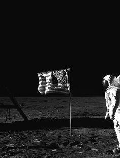 Astronaut on the Moon (the freakin' Moon!)