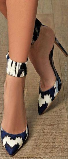 Fantasy-print ankle strap pumps from Altuzarra   LBV ♥✤