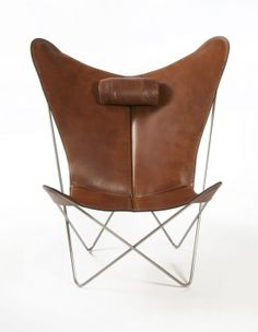leather butterfly chair with attached neck pillow Vintage Chairs, Vintage Furniture, Modern Furniture, Home Furniture, Furniture Design, Leather Butterfly Chair, Rocking Chair Nursery, Cheap Office Chairs, Modernisme