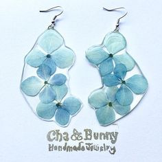 Hydrangea statement earrings - Handmade with real pressed hydrangea petals and eco resin. Natural jewellery, eco resin jewellery :) These earrings are showcasing real hydrangea petals - delicate petals. The fern was pressed and dried and then embedded into the clear resin, that will