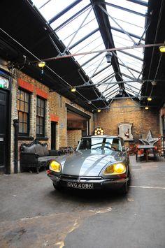 bardot advertised citroen ds cars in cinema pinterest. Black Bedroom Furniture Sets. Home Design Ideas