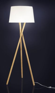 Lansbury II - Pied de lampadaire en bois - Habitat #LampPied