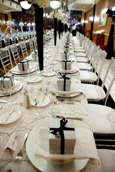 Beautiful black and white reception table.