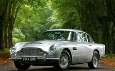 Aston Martin DB5. You can download this image in resolution 2048x1536 having visited our website. Вы можете скачать данное изображение в разрешении 2048x1536 c нашего сайта.