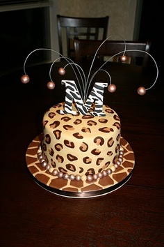 leopard cake /giraffe fondant