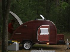 Build your own Teardrop Camper! This kit is based on the designs of the and and are built to provide years of enjoyment and a look that will turn heads. These sturdy, durable teardrop traile Teardrop Camper Trailer, Tiny Camper, Camper Caravan, Camper Parts, Camper Life, Trailer Plans, Trailer Build, Vintage Trailers, Camper Trailers