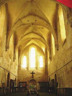 Coulommiers Ensemble Chapelle.jpg -  Vue intérieure de la chapelle de la Commanderie de Coulommiers