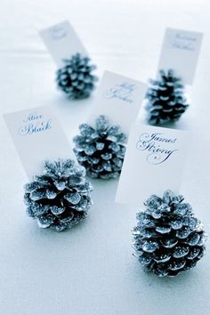 STYLEeGRACE ❤'s these Wedding Place Card Holders!