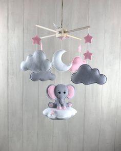 Baby mobile – elephant mobile – cloud babies – cloud mobile – pink and grey – girl nursery – elephant nursery decor - Babyzimmer Cloud Mobile, Baby Mädchen Mobile, Baby Mobiles, Elephant Nursery Girl, Elephant Mobile, Nursery Grey, Elephant Baby, Baby Girl Nursery Pink And Grey, Baby Elefant