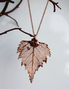 Real leaf Jewelry, Bright Copper / Rose Gold Birch leaf pendant necklace, Bridal, Wedding jewelry, B Leaf Jewelry, Cute Jewelry, Wedding Jewelry, Beaded Jewelry, Jewelry Accessories, Jewelry Design, Unique Jewelry, Diy Jewelry, Jewelry Box