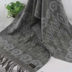 New Winter Women's Man's Jacquard Cashmere Wool Soft Warm Wrap Shawl Scarf 16230