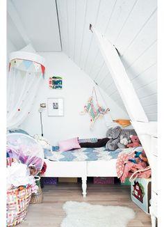 Chambre enfant : 31 idées de chambres sous les combles